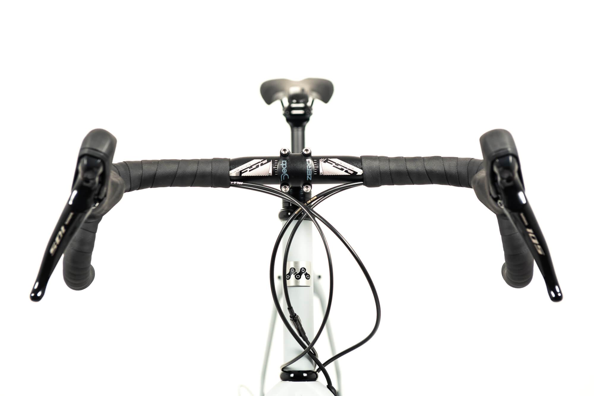 mr fogg gravel bike manubrio